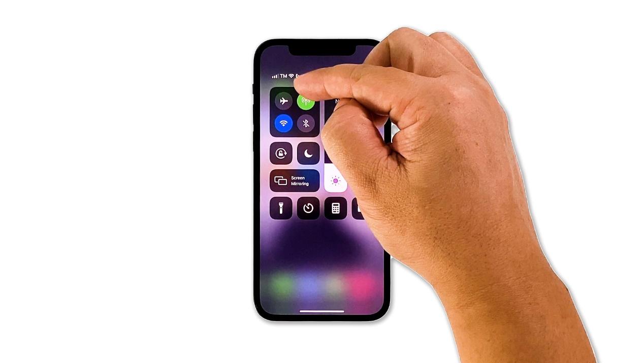 Des milliers de propriétaires d'iPhone  12 signalent des problèmes de chute de signal - Des milliers de propriétaires d'iPhone